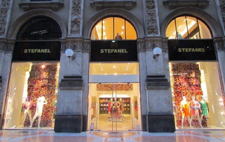 Longchamp vince asta in Galleria a Milano.