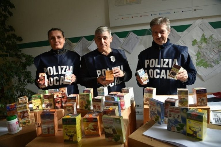 Sequestro di integratori in tre negozi di Milano.