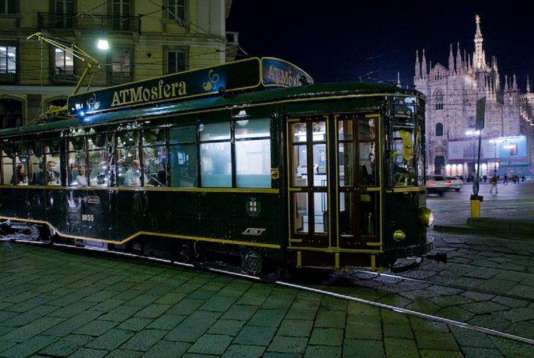 Il tram ATMosfera di Milano.