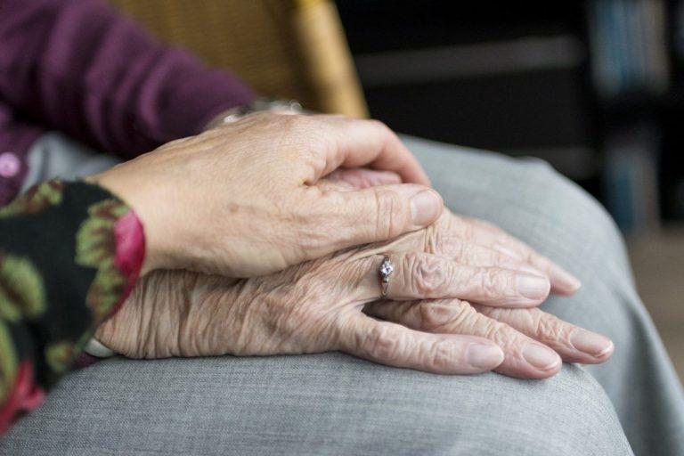 braccialetto salvavita per anziani sperimentazione milano