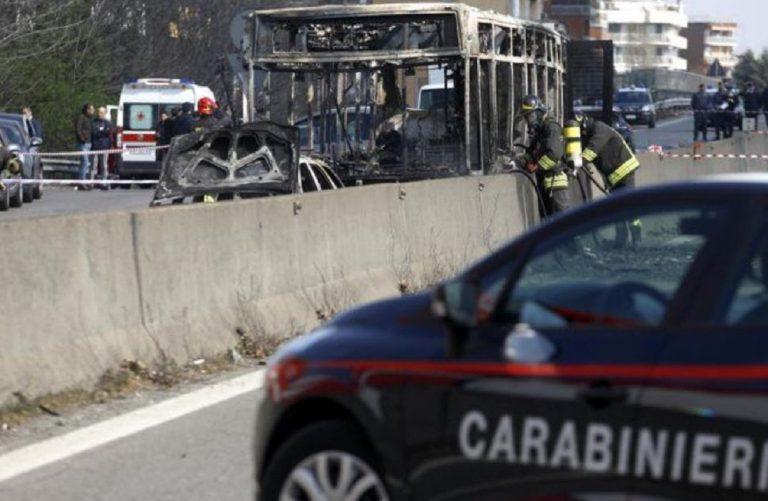 bus incendiato milano