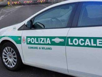 Incidente in Piazzale Martini: auto finisce in un ristorante