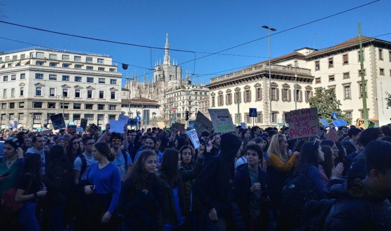 Milano corteo studenti