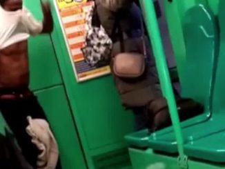 """Milano, immigrato si spoglia sul tram. Sardone: """"La città di Sala"""""""