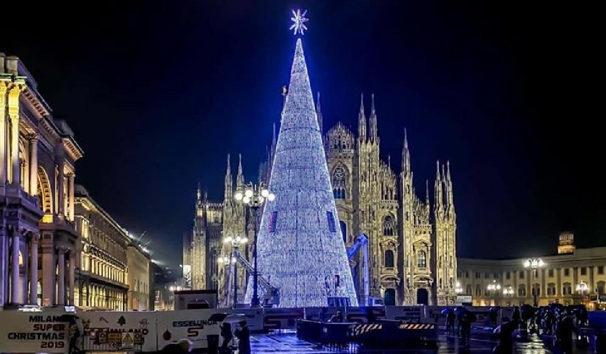 Albero Di Natale Milano 2020.Accensione Albero Di Natale A Milano 2019 L Evento In Duomo Milano Notizie