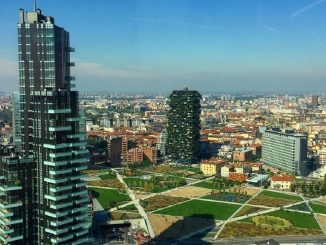 Milano, aumentano i contratti di lavoro: 28mila nuovi ingressi per Natale