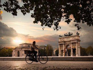 Milano si aggiudica il primato di città che usa meno auto in Lombardia