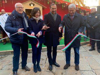 L'inaugurazione del mercatino di Natale in Duomo: presente Beppe Sala