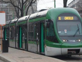 Psicosi coronavirus tram Milano