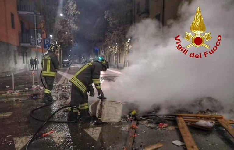 pompieri-aggrediti-milano