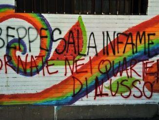"""Scritte sui muri contro Beppe Sala: """"Gli insulti non mi toccano"""""""