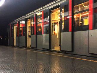 metro aperta notte