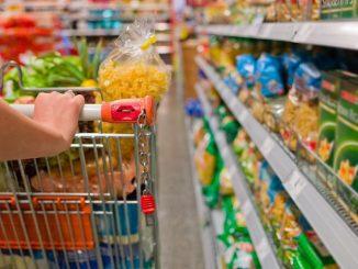 Coronavirus: negozi aperti a Milano per combattere la crisi economica
