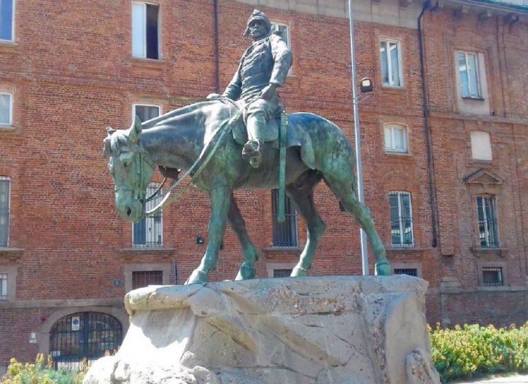 monumenti curiosi milano