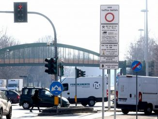 """Fase 2, aumenta il traffico a Milano: """"Priorità al trasporto pubblico"""""""