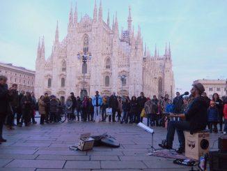 """Gli artisti di strada in manifestazione: """"Vogliamo esibirci di nuovo"""""""
