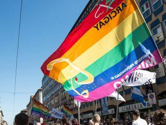Milano non rinuncia al Pride 2020: arcobaleno su Palazzo Marino