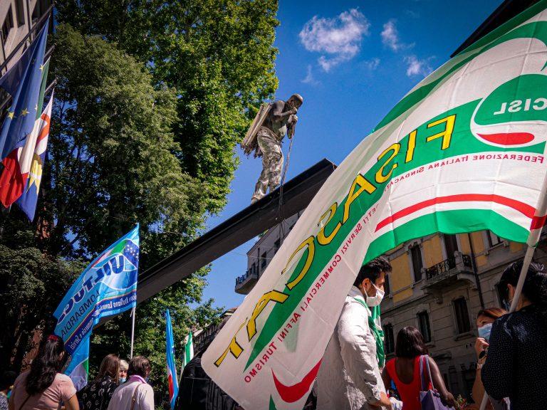 Protesta dei lavoratori del turismo Stiamo morendo di fame, governo risponda
