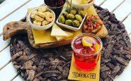 Rebelot Milano, l'esperienza tra cocktail e tapas