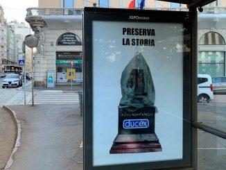 La statua di Montanelli con un preservativo: provocazioni a Milano
