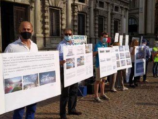 """San Siro, la protesta contro l'abbattimento: """"Manteniamo un'icona"""""""