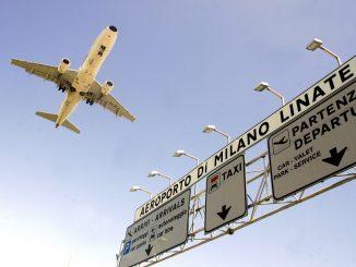 Riprendono i voli a Milano Linate dopo la riapertura: la metà sono di Alitalia