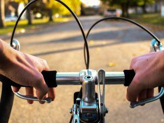 milano biciclette contromano