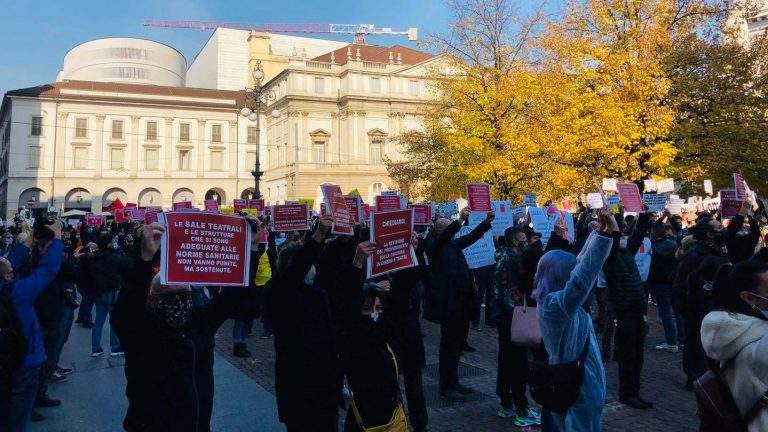 Manifestazione lavoratori spettacolo