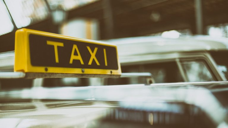 crisi taxi milano