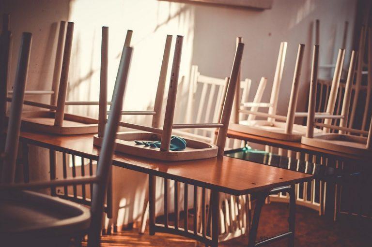 scuola chiusa per covid