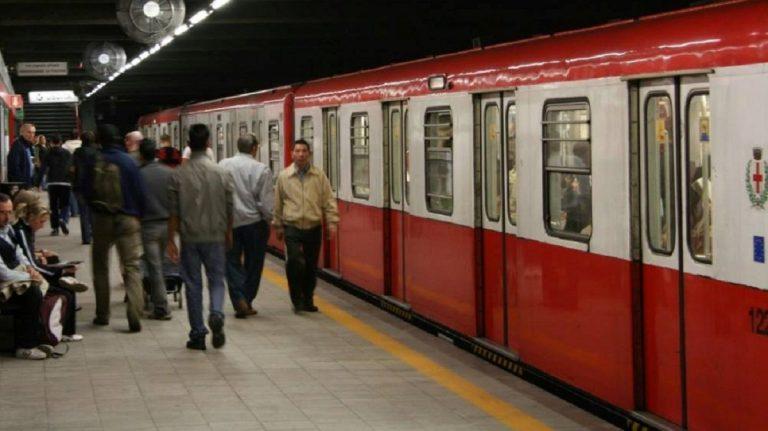 suicidio in metro