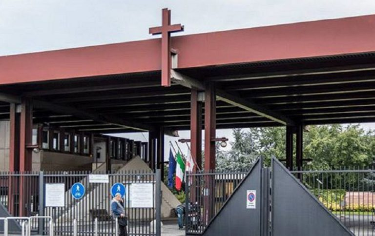 Attesa crematorio Lambrate