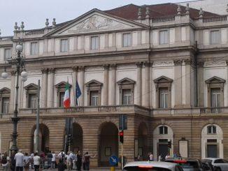 Milano, Piazza della Scala: targa per i pionieri delle unioni civili