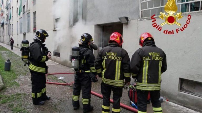 evacuato palazzo a milano