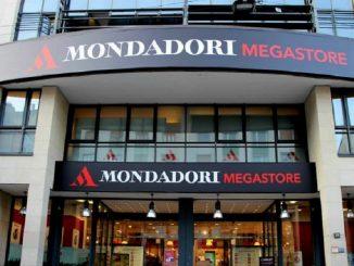 Chiude Mondadori Store