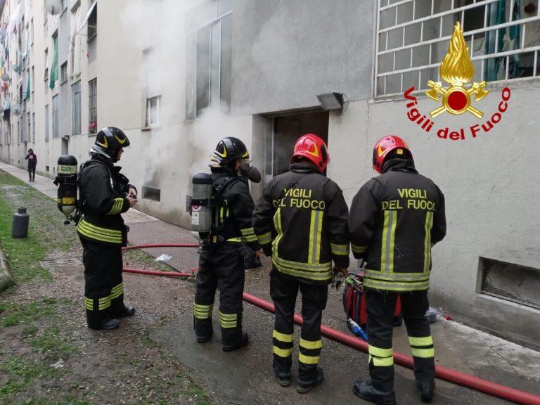Milano, esplosione in una casa di via Lodovico il Moro: ferita una donna