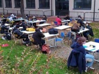 rientro scuola proteste liceo steiner