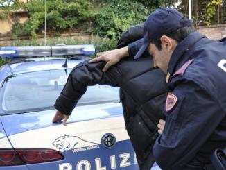 arrestato rapinatore farmacie milano