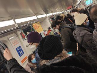 Ancora disagi per i viaggiatori Atm: rallentamenti e assembramenti