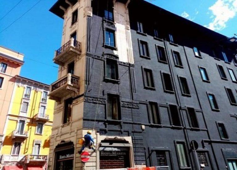 Milano, palazzo liberty tinto di nero: insorge il quartiere