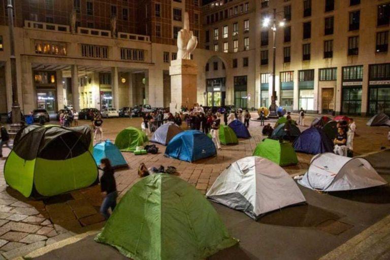Piazza Affari, gli attivisti
